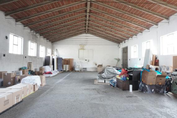 due capannoni con area cortilizia di proprietà